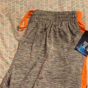 Brand new Men's University of Tennessee shorts